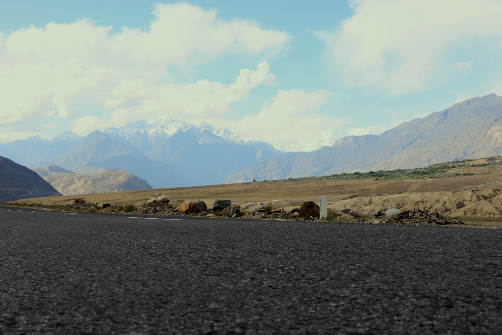 The-road-to-Gilgit-2