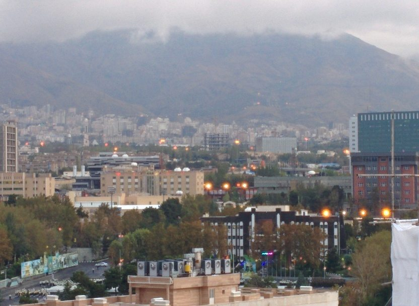 Tehran-in-the-lap-of-mountains